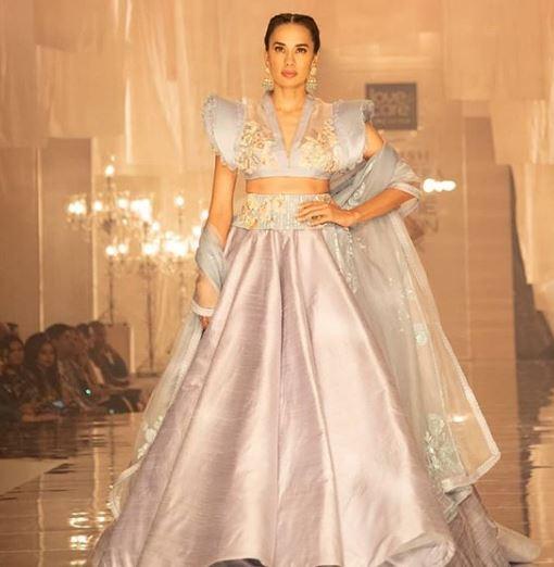 Risque blouse lakme fashion week