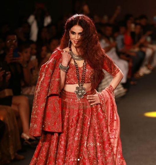 lakme fashion week blouse choli
