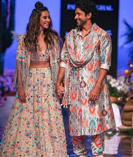 shibani dandekar jacket lakme fashion week